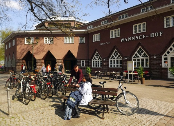 здание вокзала Wannsee
