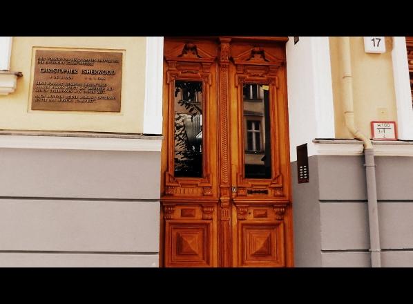 входная дверь дома Критофера Ишервуда