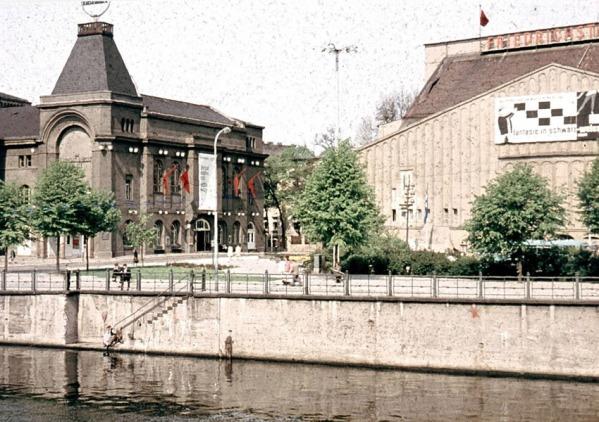 friedrichsstadt-palast-formerly-grosses-schauspielhaus