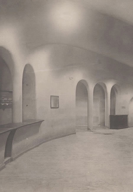 grosses-schauspielhaus-corridor-hans-poelzig